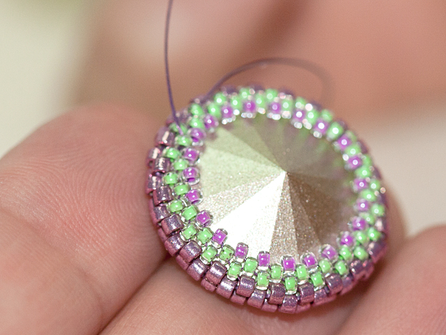 Making a Peyote Bezel Step 16